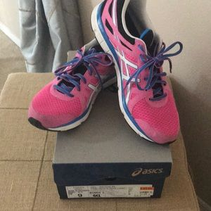 ASICS ladies sneakers ( Gel Invasion)